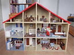 Zelf een poppenhuis maken.